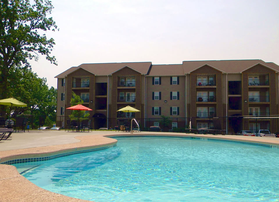 slide-pool-960x644