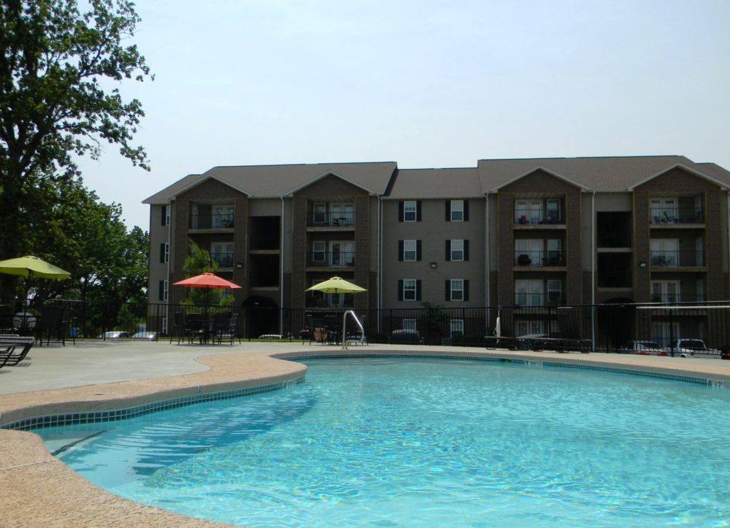 terrace-green-joplin-mo-pool-1