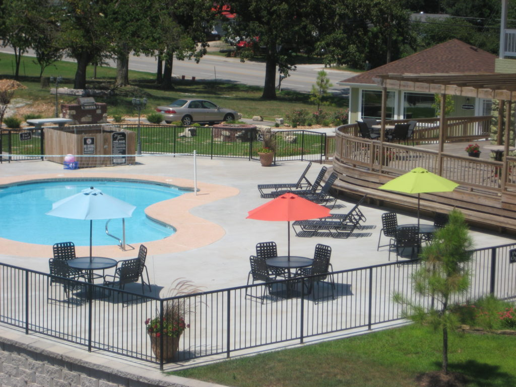 terrace-green-joplin-mo-pool-2